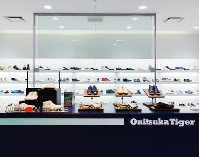 伊勢丹新宿本店メンズ館で「NIPPON MADE」2モデルが先行発売開始